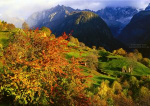 Autumn hikes in Switzerland - Val bregaglia